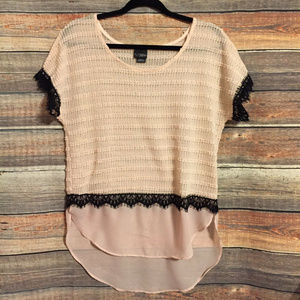 Buckle Daytrip black pink lace sheer blouse
